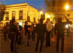 tour garibaldi de noche en ciudad de mexico
