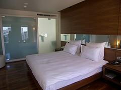 beach-hotel-cancun.jpg